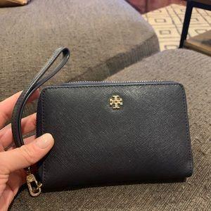 Tory Burch Robinson Wallet Wristlet